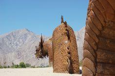 Ricardo Breceda has built 129 metal sculptures all over Borrego Springs Borrego Springs, Sky Art, Metal Sculptures, Palm Springs, Museums, State Parks, Places To See, Mount Rushmore, Dragons