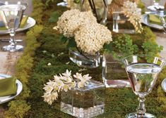 table-decoration-decorating-ideas-patricks-day-decorations Moss table runner, YES!!!!