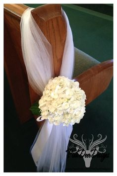 Pew Bows with Hydrangea. Wedding décor by PinkDeer Designs.  www.facebook.com/pinkdeerdesigns