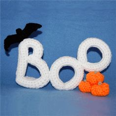 I love this free Halloween Crochet Pattern  Free Boo Pattern - Crochet Me