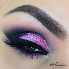 pink glitter eye make up Beautiful Eye Makeup, Pretty Makeup, Love Makeup, Makeup Tips, Beauty Makeup, Makeup Looks, Makeup Ideas, Beautiful Eyes, Glamour Makeup