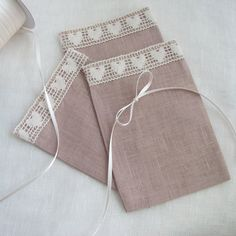 Linen bags with lace Fabric gift bags Candy bags by FlorArtSilva, €33.00