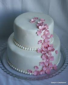 Ewelyn's Cakeheaven: Hääkakku vaaleanpunaisilla hortensioilla