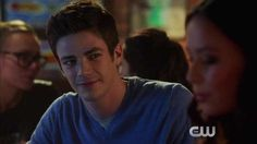 Is Barry moving too fast? Find out Tuesday on all new episode of #TheFlash! https://amp.twimg.com/v/0b8051ec-73c2-4e6f-a7c9-ffc471d1efc1 …  The Flash
