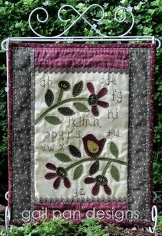Red Robin Blooms - by Gail Pan Designs - Stitchery PatternSECONDARY_SECTION$15.00: Fabric Patch: Patchwork Quilting fabrics, Moda fabric, Quilt Supplies,�Patterns