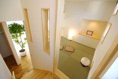 スキップフロアと和室 Alcove, Bathtub, Woodworking, Flooring, House, Standing Bath, Bathtubs, Home, Bath Tube