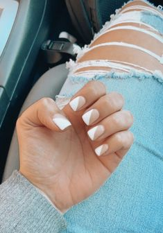 Matte gel nails, nude and white Cute Gel Nails, Simple Acrylic Nails, Acrylic Nails Coffin Short, Best Acrylic Nails, Matte Nails, Stylish Nails, Trendy Nails, Nagellack Design, Dipped Nails