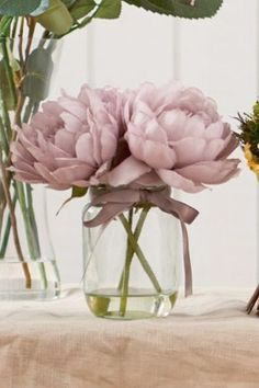 floral wedding centrepiece - brides of adelaide