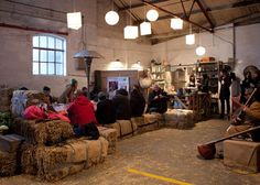 London pop-up restaurant from tnt magazine. Sometimes the best  and most effective pop-up restaurant décor and design is the most simple! Hale bale seating = fun pop-up  design PopUpRepublic.com
