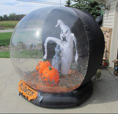 Giant Gemmy Halloween Airblown Inflatable Whirlwind Globe with Bats Ghost | eBay