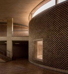 Facultad de Ciencias Humanas de la Universidad Nacional de Colombia, Bogotá   Arq. Rogelio Salmona 1995 19