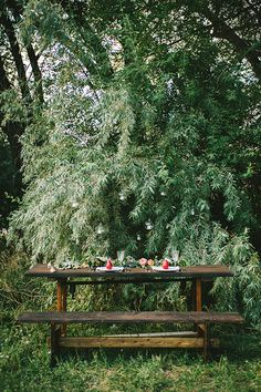 Romantic Woodland Wedding Reception Styling | Nhiya Kaye Photography | Minimalist Elegance with Country Chic Details