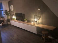 Ikea hack als perfecte tv meubel. Living Room Units, Living Room Decor Tips, Living Room Decor Inspiration, Home Living Room, Ikea Hack, Lounge Lighting, Tv Decor, Home Decor, Tv Furniture