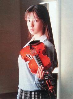 1987年、CM『三井の リハウス』の初代リハウスガール「白鳥麗子」役のりえちゃん。
