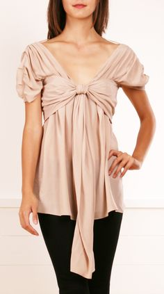Vionnet nude blouse - unique and cute, especially with the bow idea. Beautiful Outfits, Cool Outfits, Moda Chic, Fashion Beauty, Womens Fashion, Latest Fashion, What To Wear, Style Me, Clothes For Women