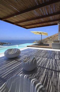 brise soleil, terrasse ombragée élégante près de la mer
