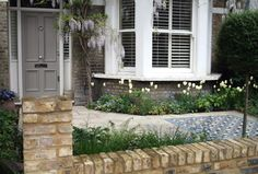 London front garden paving and mosaic tiles - Joanna Archer Garden Design Victorian Front Garden, Victorian Terrace, Victorian London, Victorian Gardens, Victorian House, Garden Paving, Terrace Garden, Terrace Ideas, Garden Paths