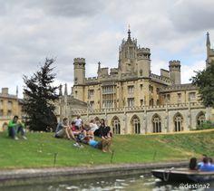 Cambridge.- Punting en el río Cam