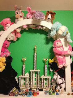 Displaying stuffed animals
