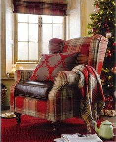 I have this tartan armchair in mind.just love everything about this pic :o) L x - Hotels Decoration Tartan Decor, Tartan Chair, Tartan Christmas, Christmas Lounge, Christmas Chair, Country Christmas, Merry Christmas, Deco Champetre, Cozy Corner