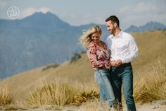 Perfect day for a helicopter engagement photoshoot in Queenstown. By Dan Childs at 222 Photographic Studios, Queenstown, New Zealand.