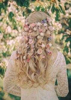 Flower Crown Hairstyle, Flower Girl Hairstyles, Loose Hairstyles, Wedding Hairstyles, Flower Crown Wedding, Floral Wedding, Wedding Flowers, Crown Flower, Medium Length Updo