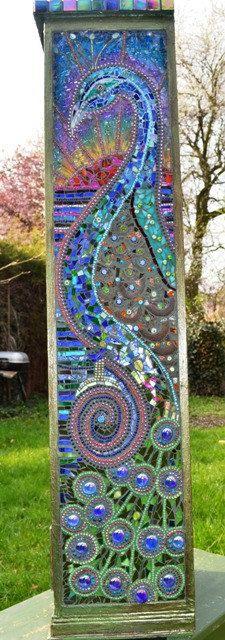 Mosaico de pavo real de pecho de dibuja ~ H 95 cm, 22cm, ancho 30cm D (esta pieza me ha llevado meses y se refleja en el precio, fue un verdadero trabajo de amor) se compone del decoupage verde rústico en madera, dos paneles de pavo real de mosaico cualquiera de los lados, arriba de
