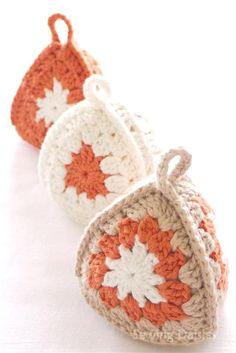 Crochet: Terracotta Triad - Possible Xmas ornaments too.