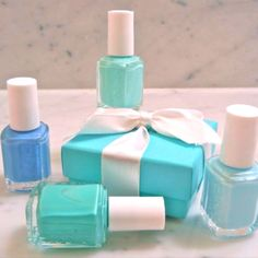 AMAZING Essie nail polish around a Tiffany box