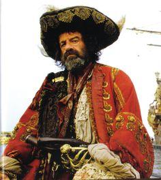 Rock. Sliten, stort antal små dekordetaljer, lager på lager, axelbredd. Film Pirates, Polansky, Matthau, 1986.