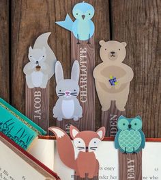Printable Woodland Creature Bookmarks | How adorable are these DIY bookmarks? You can customize them for your child, too!