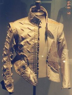 Pictures of the Janet Arnold Doublet when it was at the Victoria & Albert Museum in London, photo taken by Edward.