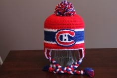 Montreal Canadiens Crochet Hat by HugsKissesStitches on Etsy Crochet Kids Hats, Crochet Beanie, Knit Or Crochet, Crochet Scarves, Knitted Hats, Loom Knitting, Baby Knitting, Knitting Patterns, Crochet Patterns