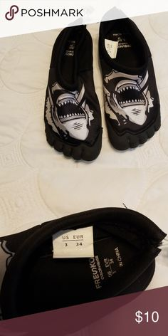 super popular e7162 e9740 Big kids water shoes Fresko size 3 kids water shoes, black , worn once.