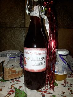 Kakikonfitüre, Weihnachtssirup Dashing Through The Snow, Gift Ideas, Wine, Drinks, Bottle, Cooking, Gifts, Kindergarten Gifts, Deutsch