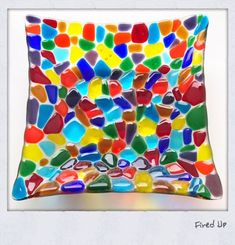 This fused glass bowl reminds me of stained glass Sea Glass Art, Stained Glass, Glass Fusion Ideas, Fused Glass Plates, Paint Your Own Pottery, Dichroic Glass, Pottery Painting, Mosaic, Tapestry