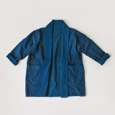 Formerly known as the Kimono Jacket, the Haori is a sewing pattern for a Japanese-inspired, slightly oversized jacket made in Women's sizing. Jacket Outfit, Kimono Jacket, Jacket Men, Mode Kimono, Sewing Hacks, Sewing Tips, Sewing Tutorials, Sewing Crafts, Sewing Ideas