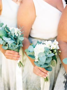 Perfect size for bridesmaids.