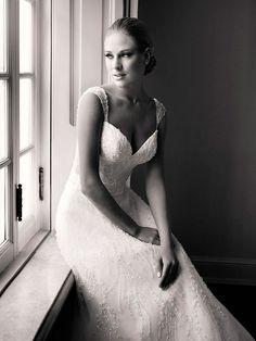 Vestido de noiva bordado ( Vestido: Nova Noiva )