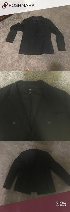 Black blazer H and M black blazer 44r worn once it was to big H&M Suits & Blazers Sport Coats & Blazers