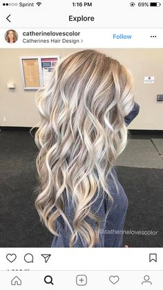 Like the curls fall blonde, ash blonde hair, balayage hair, ombre hair, Blonde Hair Looks, Blonde Hair With Highlights, Brown Blonde Hair, Fall Blonde, Ombre Hair, Balayage Hair, Honey Balayage, Fall Hair, Summer Hair