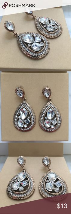 Gorgeous earrings NEW Crystal-gold toned stud dangle earrings. Very pretty! Come with a box Jewelry Earrings