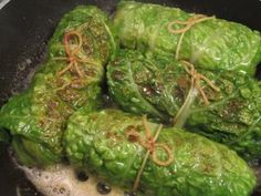 Vegetariska Kåldolmar med Svamp och Halloumi | Kostradgivarna.se Halloumi, Lchf, Vegetarian Recepies, Food Inspiration, Cabbage, Low Carb, Vegan, Vegetables, Recipes
