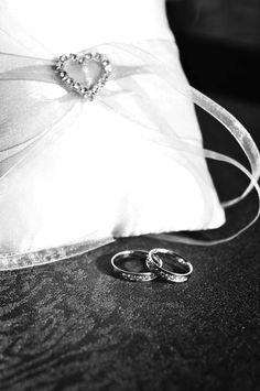 Подушки для колец на свадьбу: фото подушечек для колец - Невеста.info Ring Pillows, Bracelets, Rings, Silver, Jewelry, Jewlery, Money, Bijoux, Ring Pillow