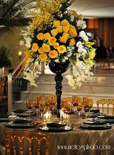 Festa Tema: Preto e Dourado,um Luxo a parte! | Make na Cozinha! Table Decorations, Wedding, Furniture, Home Decor, Black Gold Party, Quinceanera, Luxury, Valentines Day Weddings, Flowers