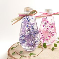 Flower Bottle, Dry Plants, Botanical Art, Amazing Flowers, Flower Crafts, Diy And Crafts, Glass Vase, Perfume Bottles, Homemade