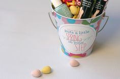 My Sister's Suitcase: Spring Gift Idea and Printable Tag...cute easter gift for teachers :)