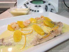 Receta de Dorada a la Naranja con Thermomix: acompañada de puerro, gambas y gajos de naranja. Un plato ideal para cuidarnos y no caer en la rutina!