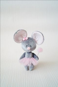 Crochet Mouse, Crochet Dolls, Doll Face Paint, Mouse Crafts, Fabric Animals, Fabric Toys, Cat Doll, Crafts To Make And Sell, Sewing Dolls