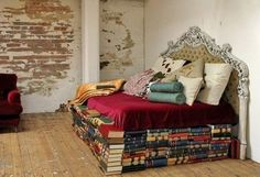 Interior decorator firm Wilson Kelsey Design does both, taking the concept of book furniture to the ultimate with a bed created from books. Book Furniture, Unique Furniture, Furniture Design, Recycled Furniture, Victorian Furniture, Modular Furniture, Furniture Showroom, Street Furniture, Furniture Logo